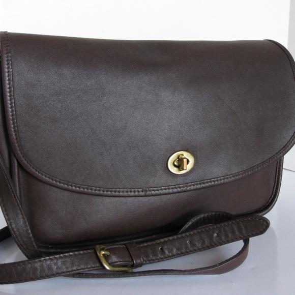f305374e4063 Vintage Coach 9790 Classic Mahogany City Bag Soft